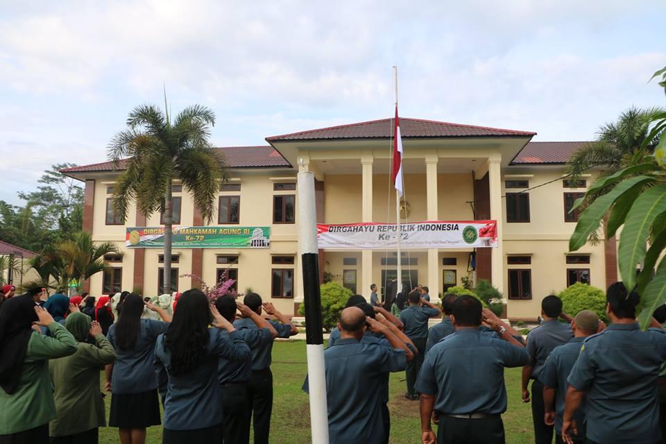 UPACARA PERINGATAN KEMERDEKAAN REPUBLIK INDONESIA KE 72